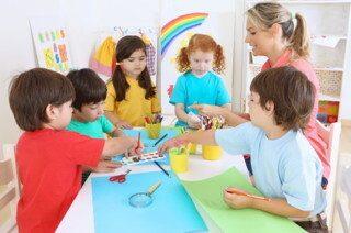 choisir-formation-auxiliaire-puericulture